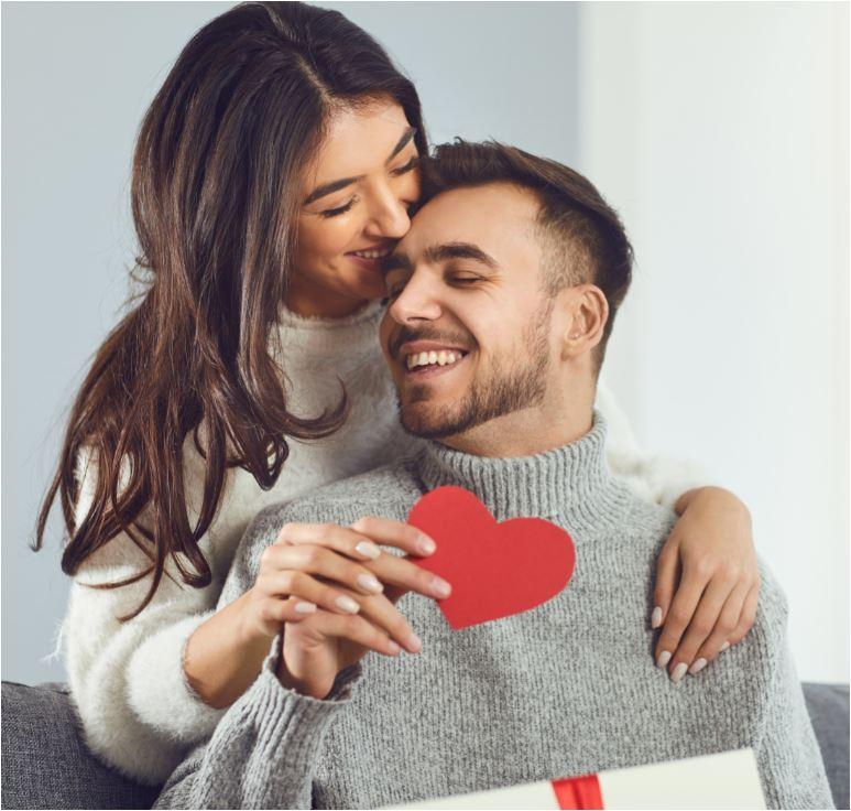 Valentinstag steht vor der Tür –        Der Tag der Liebenden.